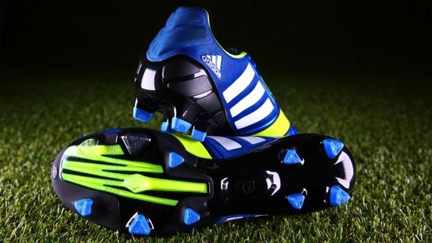 nieuwe voetbalschoenen, adidas nitrocharge, voetbalschoenen voor kinderen