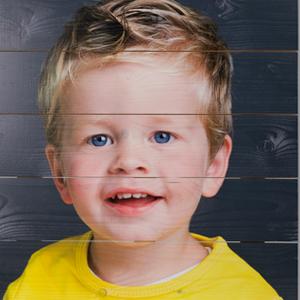 foto-op-hout-portret-jongetje