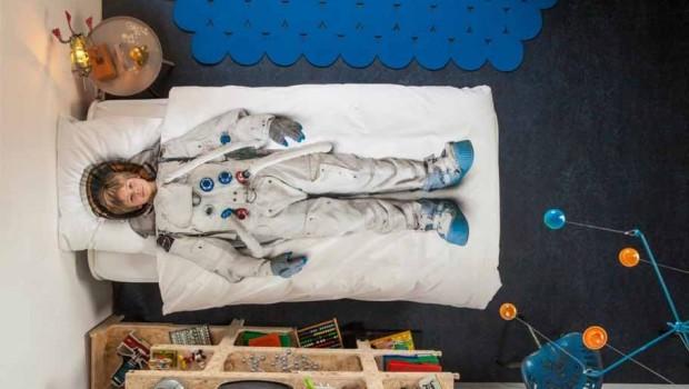 Behang Kinderkamer Ruimtevaart : Astronautenkamer thema kinderkamer tips styling boyslabel