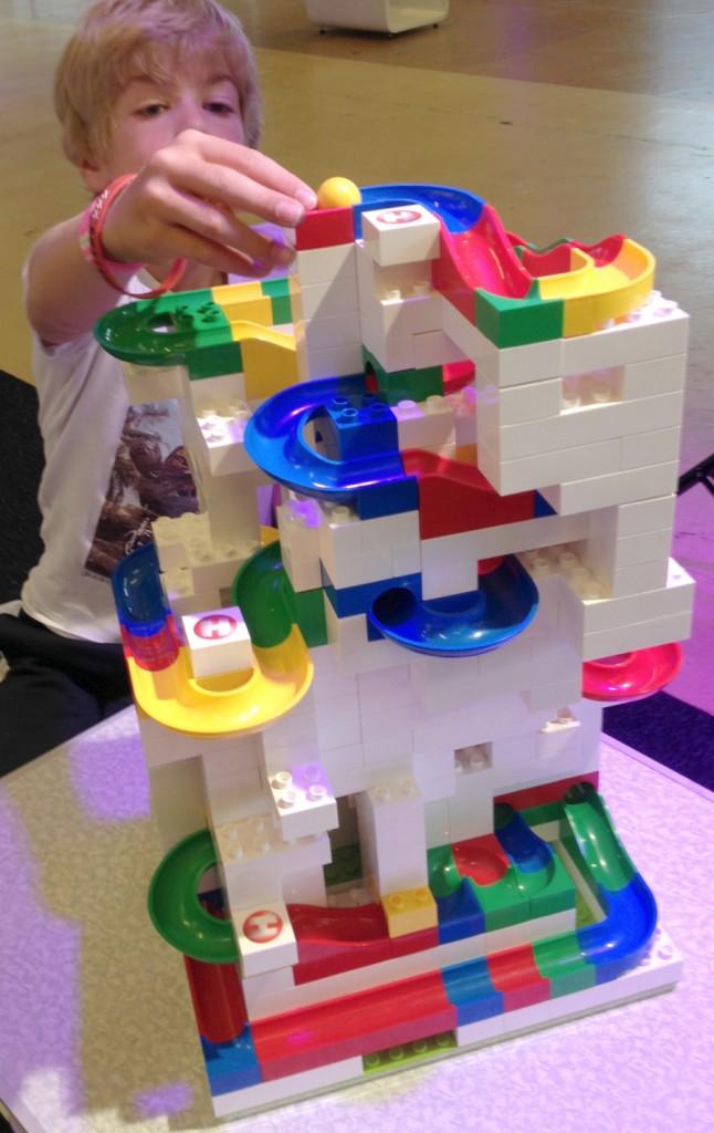 Hubelino knikkerbaan, knikkerbaan bouwen, hubelino, hubelino review, jongenscadeau, jongensspeelgoed