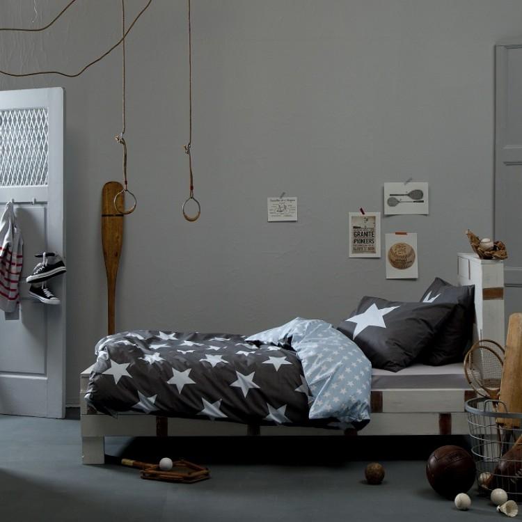Beddengoed jongens l de leukste dekbedovertrekken - Blauwe en grijze jongens kamer ...