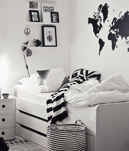 zwart wit kinderkamer, zwart wit wereldkaart muursticker, muurstickers jongenskamer