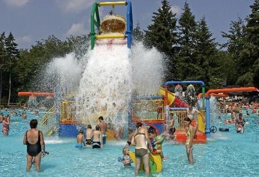 TOP 10 Buitenzwembaden, leukste zwembaden nederland, bosbad