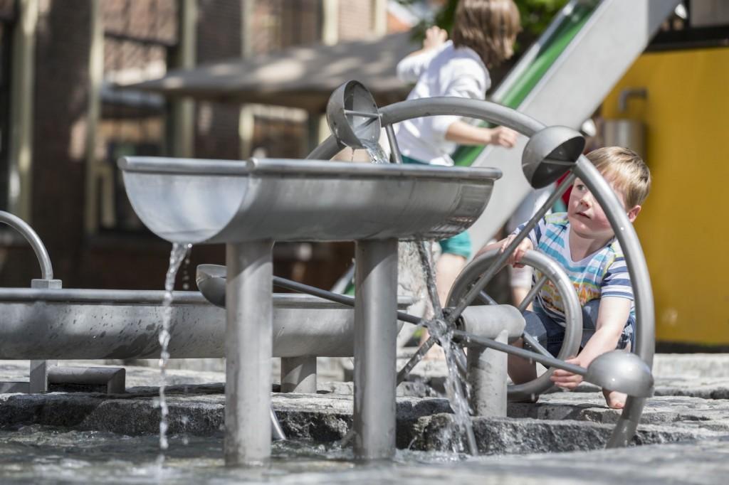 Spelende kinderen in Waterland Museum Boerhaave