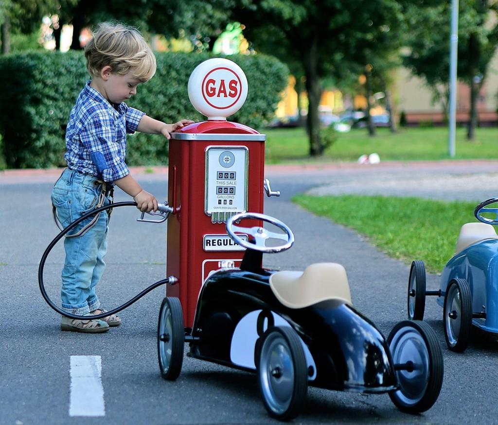 cadeau jongen 2 jaar, cadeau jongen 3 jaar, jongensspeelgoed, loopauto