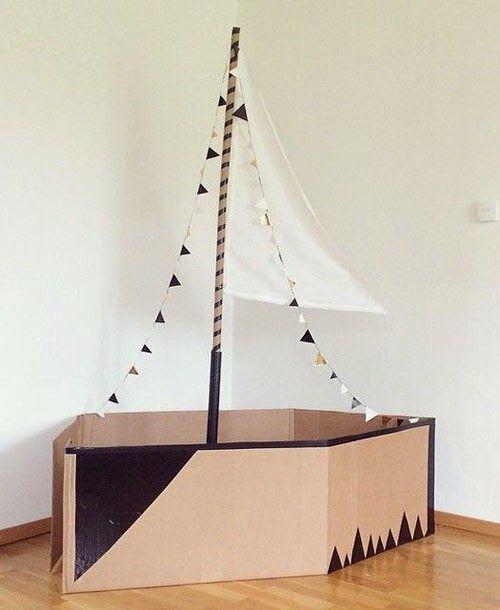 DIY speelgoed van karton, carboard DIY, kartonnen boot