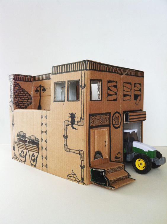 DIY speelgoed van karton, carboard DIY, speelgoedhuis