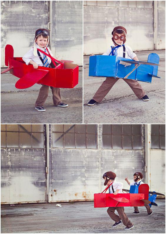 DIY speelgoed van karton, carboard DIY, vliegtuig van karton
