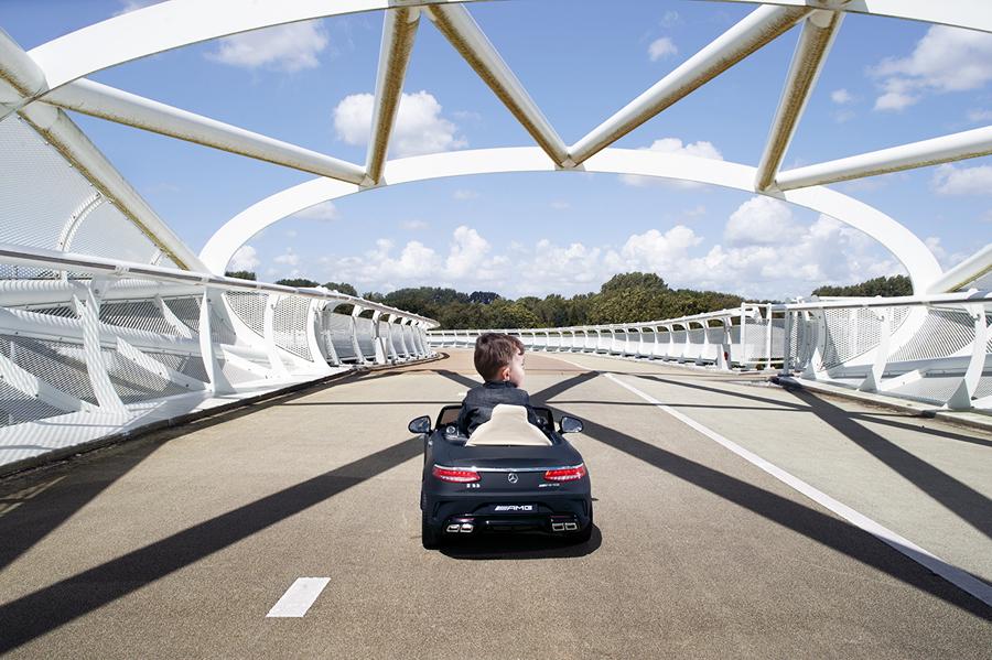 elektrische kinderauto, speelgoed auto, trapauto, mercedes elektrische kinderauto