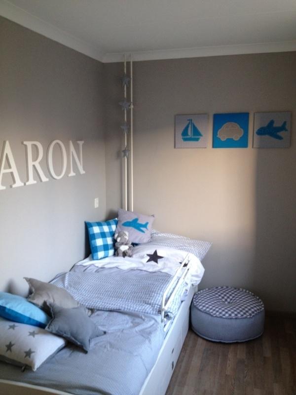 De kleine auto accessoires voor jongenskamer boyslabel - Decoratie slaapkamer jongen jaar oud ...