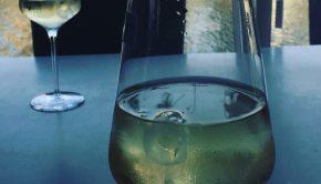 Wijn op dinsdagmiddag: a day in the life van single mama Yasmin
