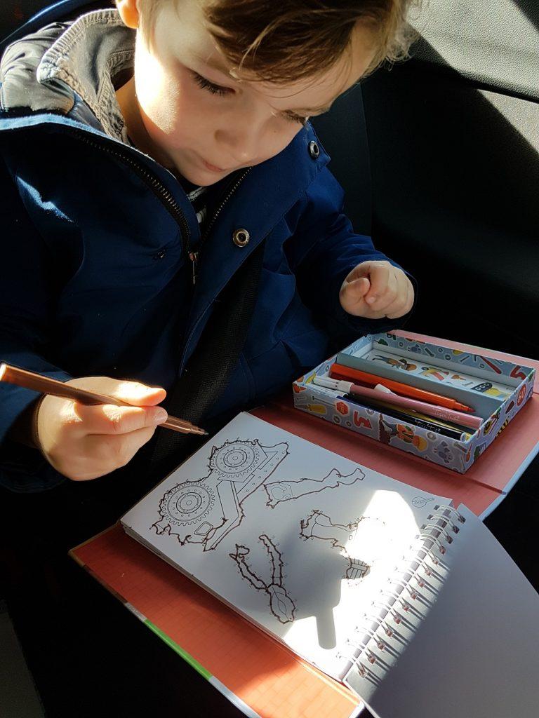 tiger tribe, kleurboek jongens, speelgoed voor onderweg, vakantie tip