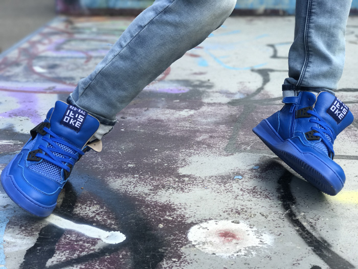 redrag schoenen, kobalt blauwe sneakers