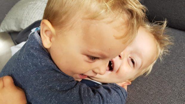 twee eiige tweeling, tweeling, twee-eiige tweeling, broers, broertjes, jongensmama, jongensmamablog