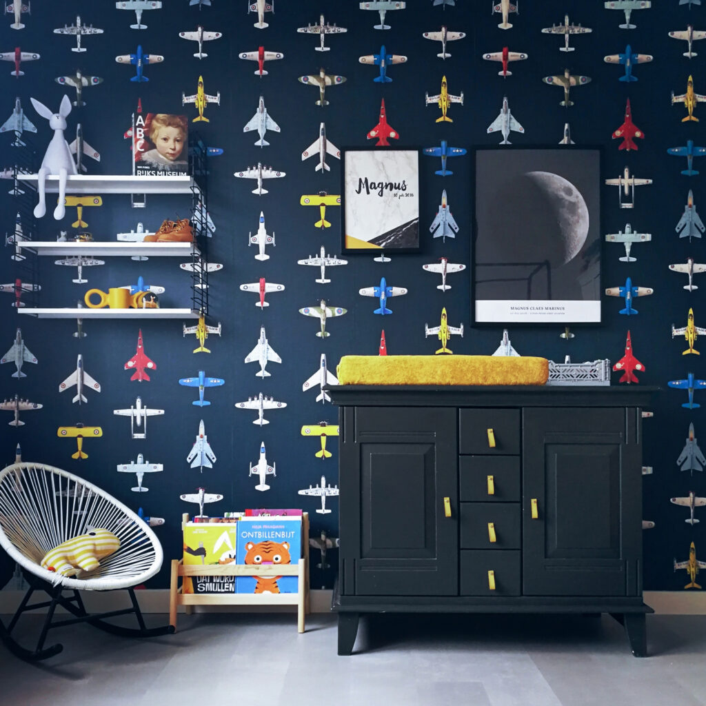vliegtuigkamer, vliegtuigbehang, behang kinderkamer, jongenskamerstyling