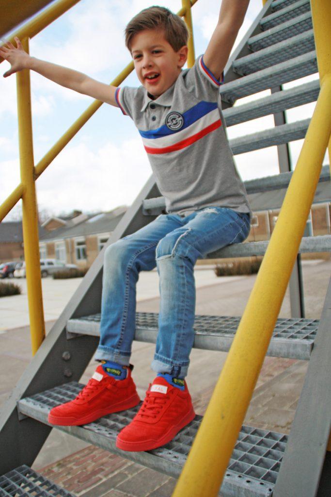 rode sneakers, jongensschoenen, redrag zomer 2018