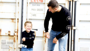 vader zoon twinning, twinning styles dad son, twinnen vader en zoon, twinning, twinnen met papa, twinning merken, twinning vader zoon kledingmerken, twinning fashion, twinnen met papa, twinning dad and son, twinning is winning, twinnen vader zoon