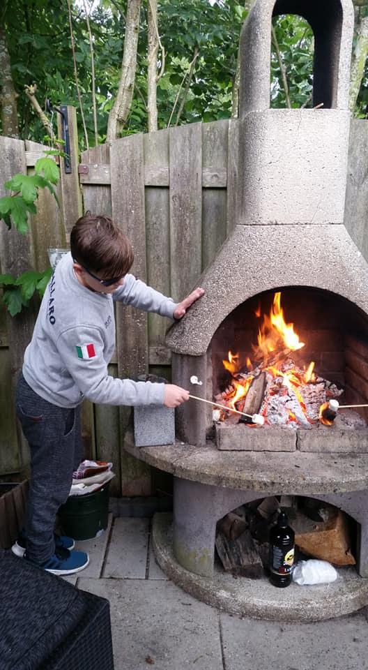 camping feest, kinderfeest jongen 12 jaar