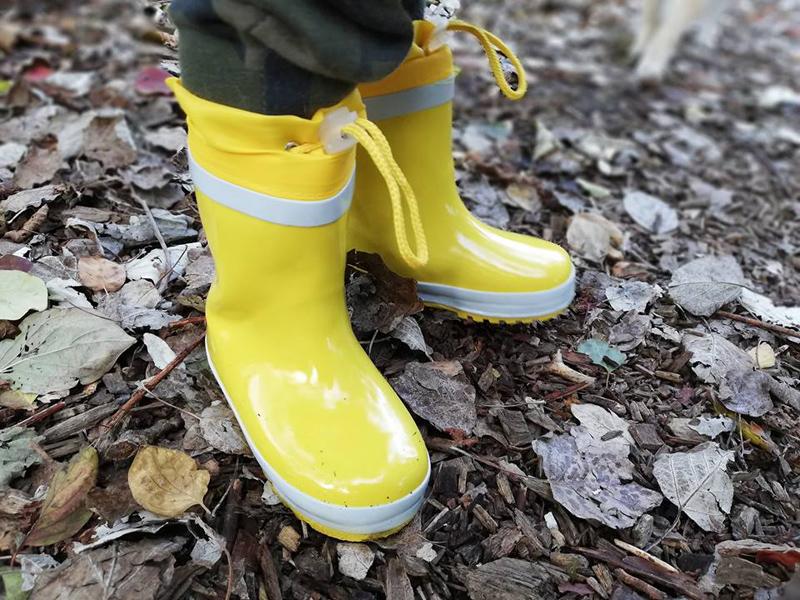 gele regenlaarzen, gele regenlaarsjes