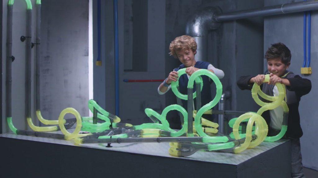 cadeau jongen 8 jaar, racebaan, speelgoed, looping race tubes, speelgoed auto's, silverlit exost looping racing tubes