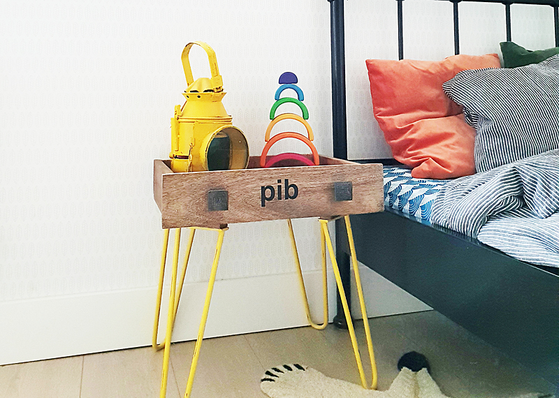 Nachtkastje Kinderkamer Afbeeldingen : Kinderkamer nachtkastje met industriële look kinderkamers boyslabel