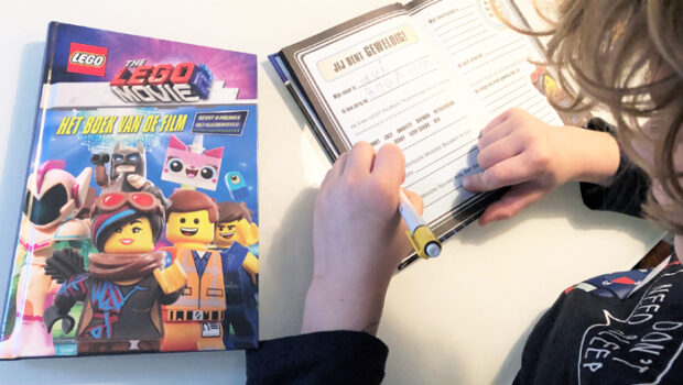 The LEGO movie 2 boek lego boeken, review lego movie het boek van de film, meis en maas
