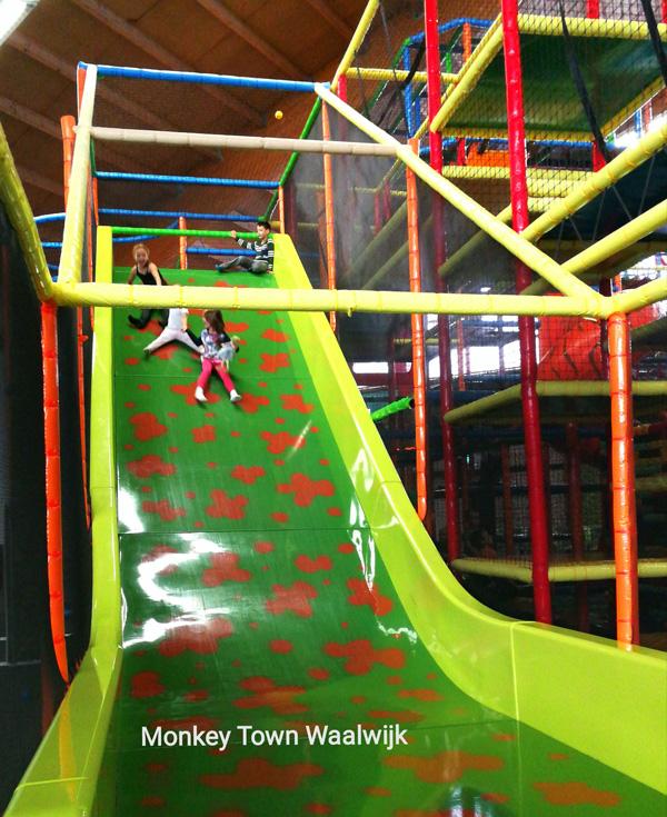 speeltuinen in brabant, overdekte speeltuin, dagje uit met kinderen, uit met kids, monkey town waalwijk