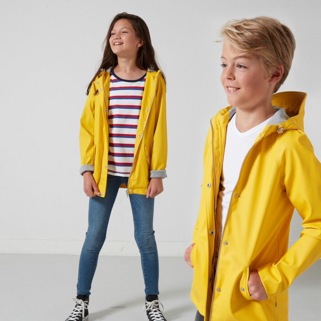 gele kinderjas, gele kinderregenjas, regenjassen voor kinderen