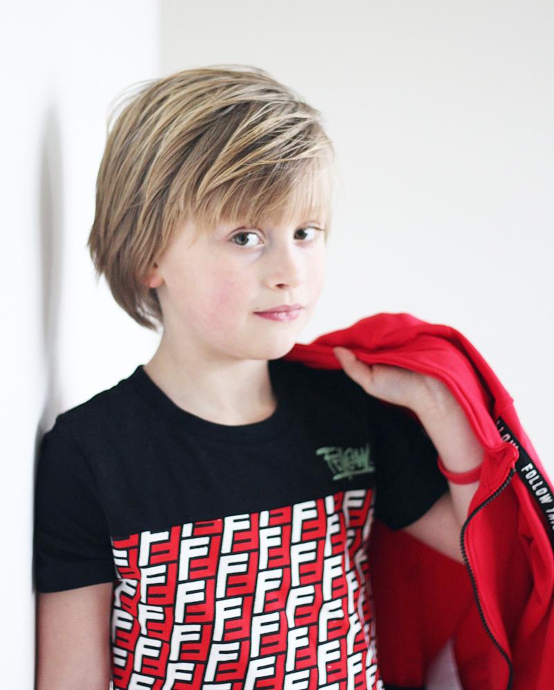 grafische print tshirt, rode kinderkleding, rode jongenskleding