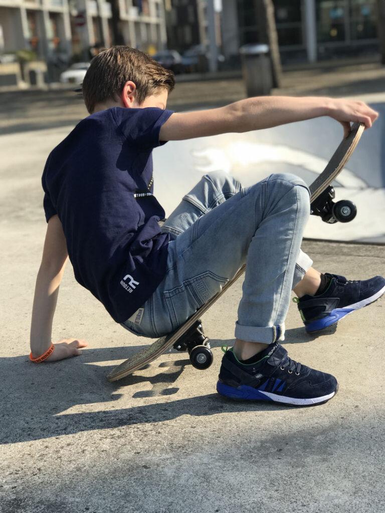 blauw jongens t-shirt, stoere jongens outfit, stoere jongenskleding