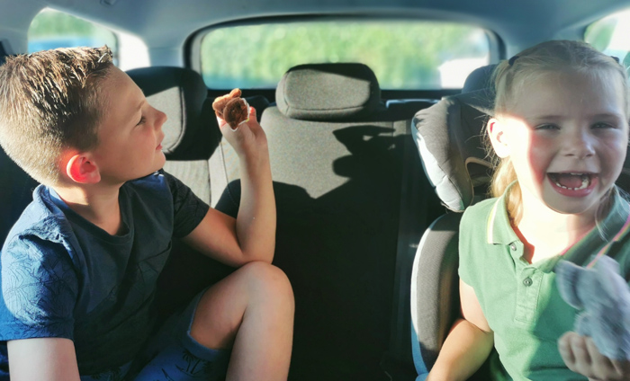 breakzy, plezier onderweg, kinderen in auto