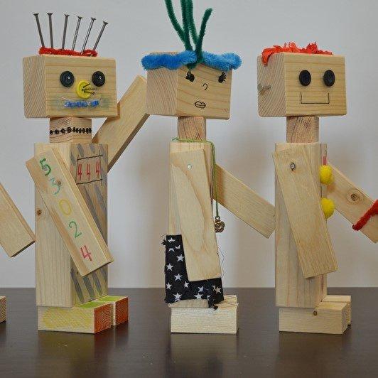 houten robot , doe-het-zelf kinderfeestje, klusfeestje, klus kinderfeestje, , robot bouwpakket, houten robot maken, klussen met je kind