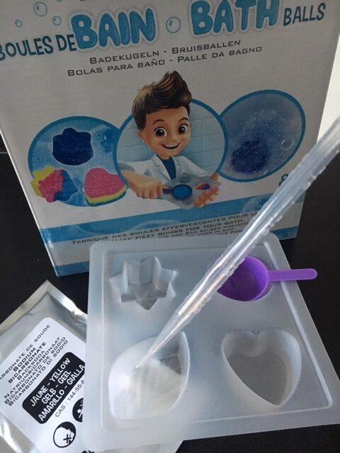 proefjes speelgoed, eperimenteerdozen, experimenteren speelgoed, zelf zeep maken, zelf bruisballen maken