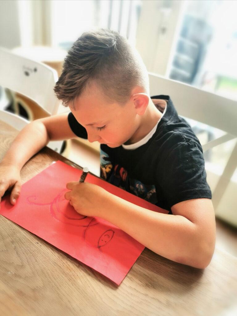 schrijftherapie, schrijffysio, moeite met schrijven, schrijfachterstand kind
