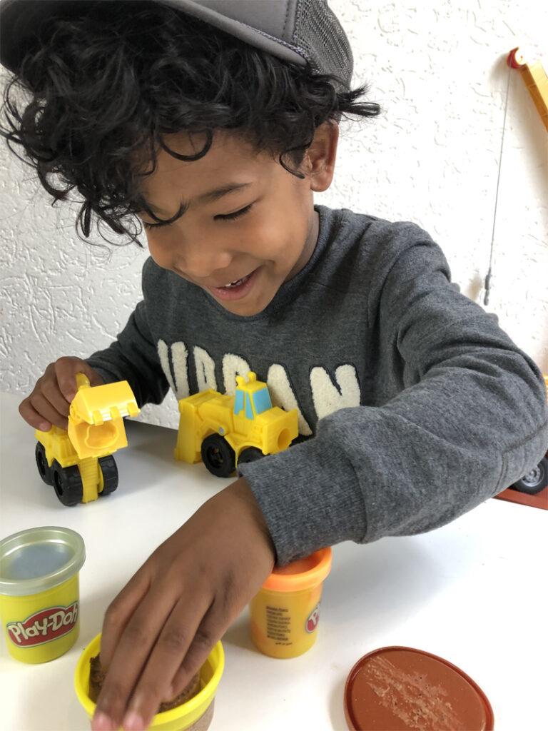 klei voor jongens, graafmachine klei, speelgoed winnen, winactie