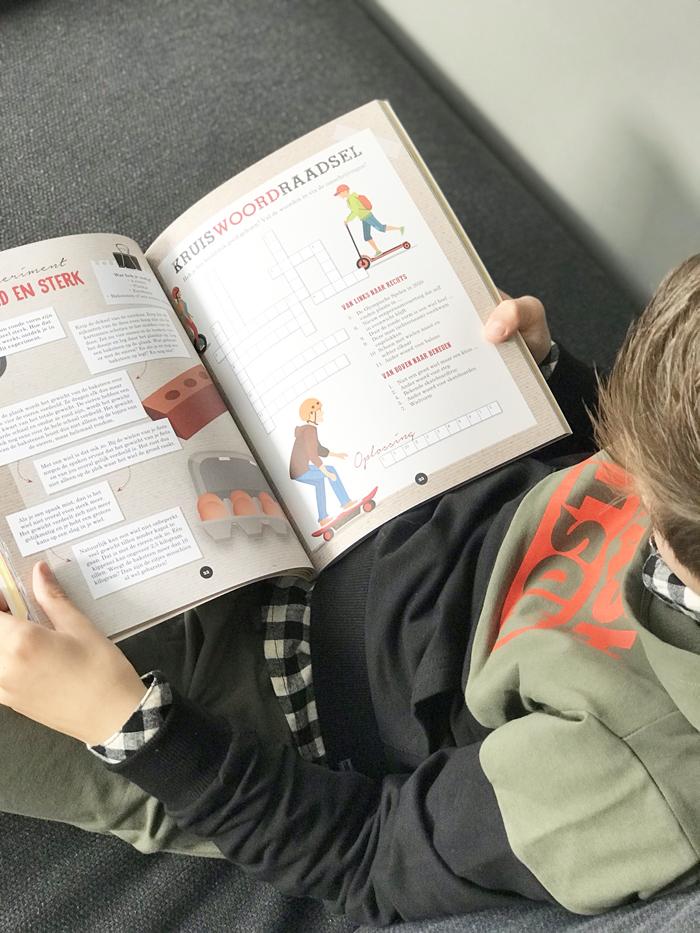 Young Scientist Doeboek over reizen in de toekomst, kinder doeboek