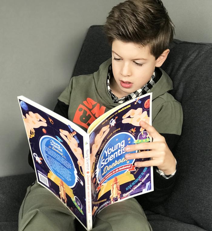 Young Scientist Doeboek over reizen in de toekomst, boyslabel, kinderboeken