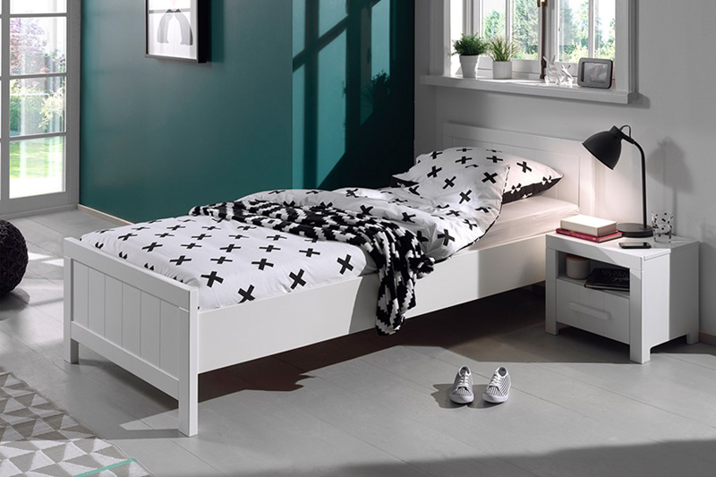 basic kinderbed, goedkoop kinderbed, stoer jongensbed