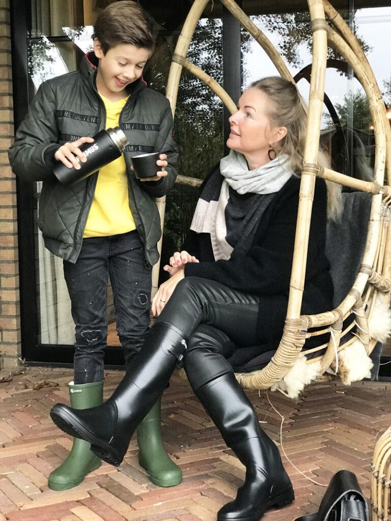 herfstvakantie uittip, boyslabel, aigle laars, moeder en zoon, twinning boots, cantherel van der valk