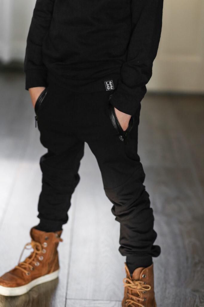 zwarte joggingbroek jongen, zwarte broek jongen, jogger kind, joggingbroek kind