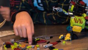 geen speelgoed cadeau met sinterklaas en kerst, nuttig cadeau, geen speelgoedcadeau geven