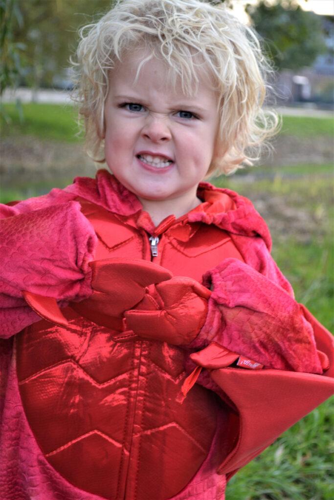 kind verkleed als draak