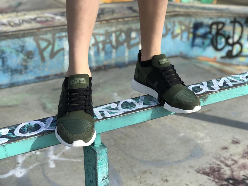 Redrag sneakers, donkergroene kindersneakers, groene sneakers jongen, stoere kindersneakers, outfit of the day