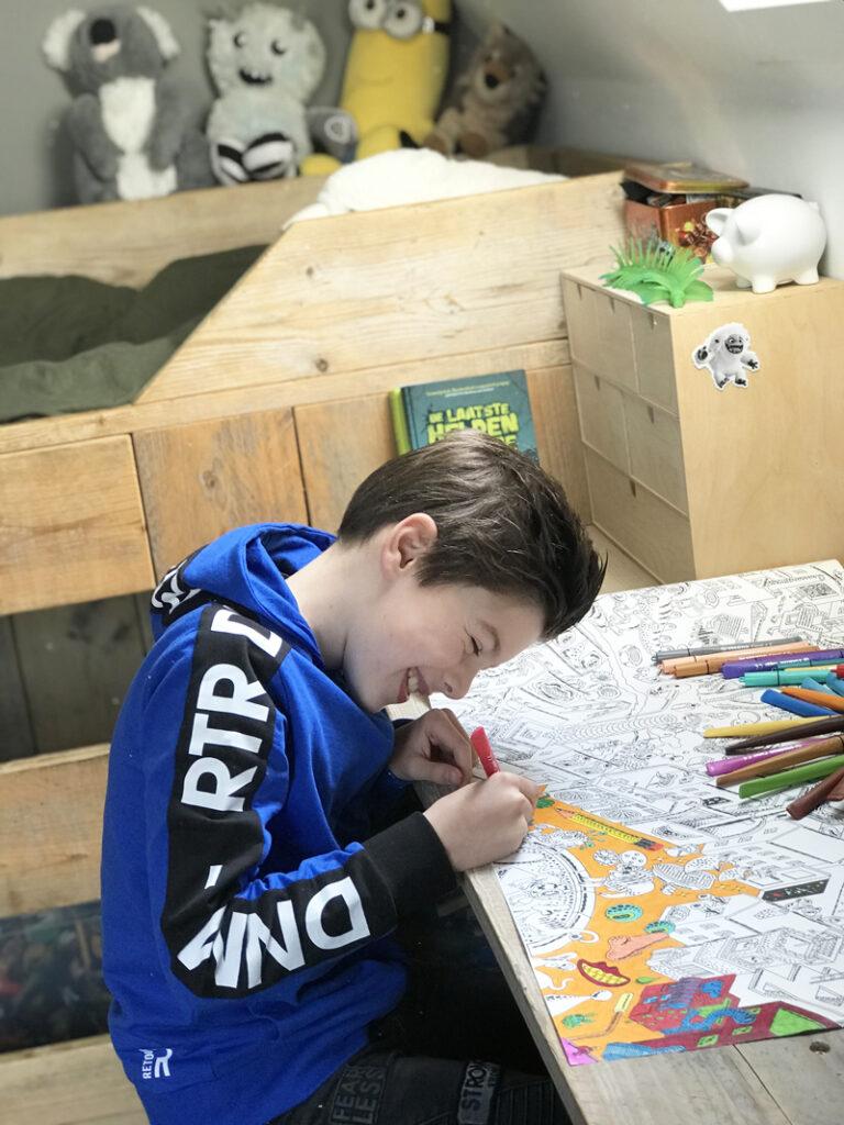 thuis spelen en leren tijdens de Coronacrisis, thuis leren, thuisblijven kind, kinderen thuis, leuke tips thuis blijven, mega kleurplaat