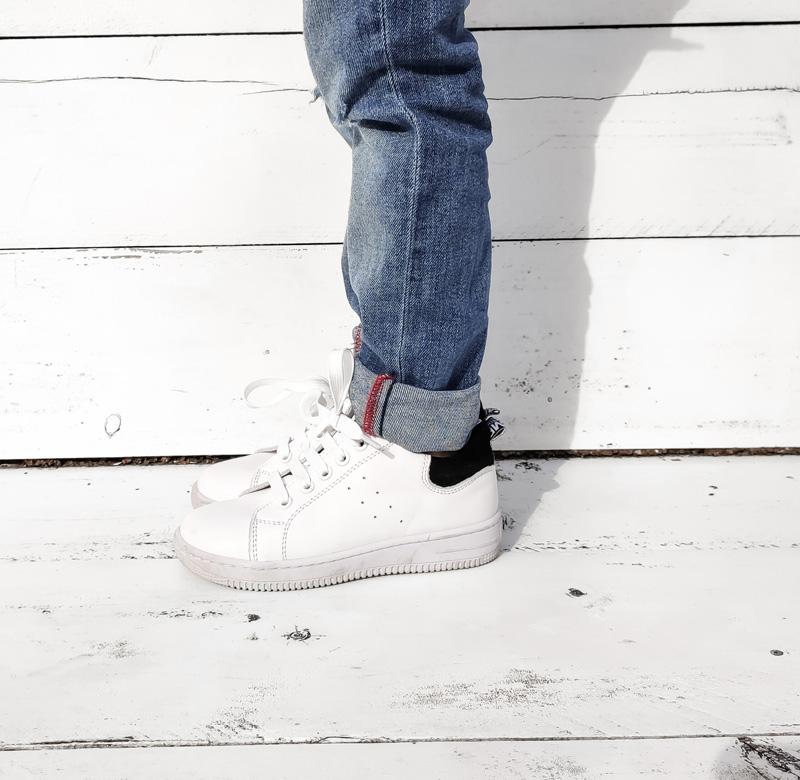 witte sneakers, kindersneakers alexander mcqueen