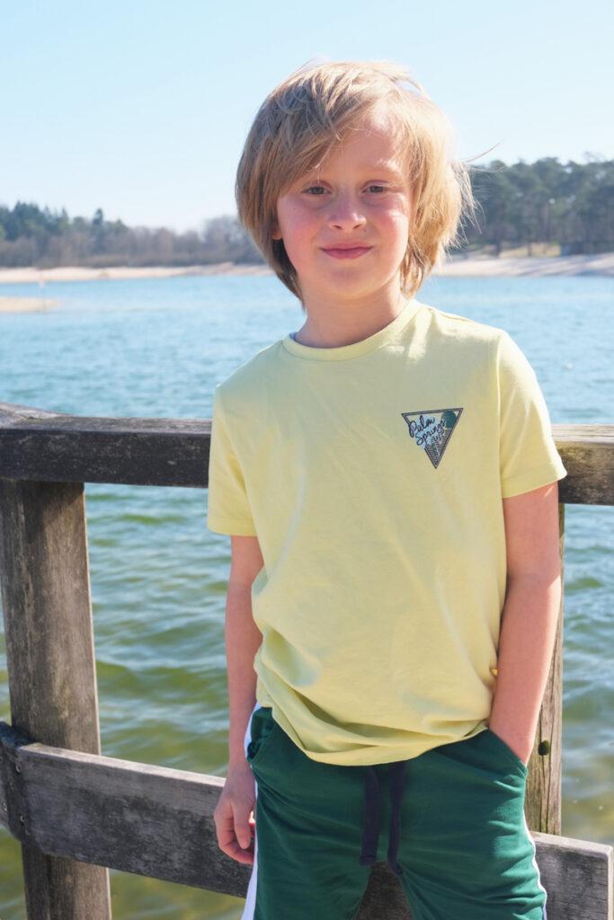 zomerkleding jongen, moodstreet zomer 2020, surf boy, surf look, beach look