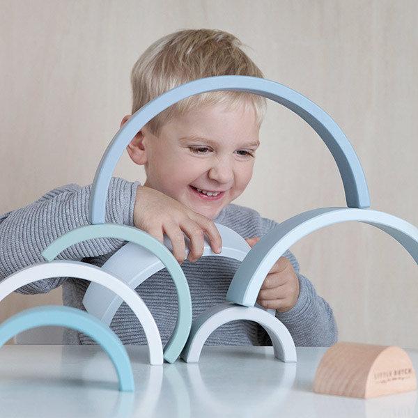 little dutch, houten regenboog, houten speelgoed, hobbel, wobbel balans bord, wobbel balance board, speelgoed waar je kind van leert , leerzaam speelgoed, educatief speelgoed