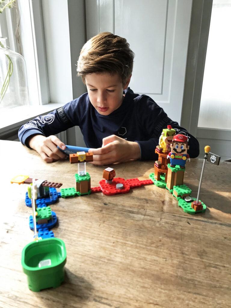 LEGO SUPER MARIO startset, LEGO SUPER MARIO review, speelgoed review, speelgoed van het jaar 2020, jongensspeelgoed, jongenscadeau, cadeau jongen 9 jaar