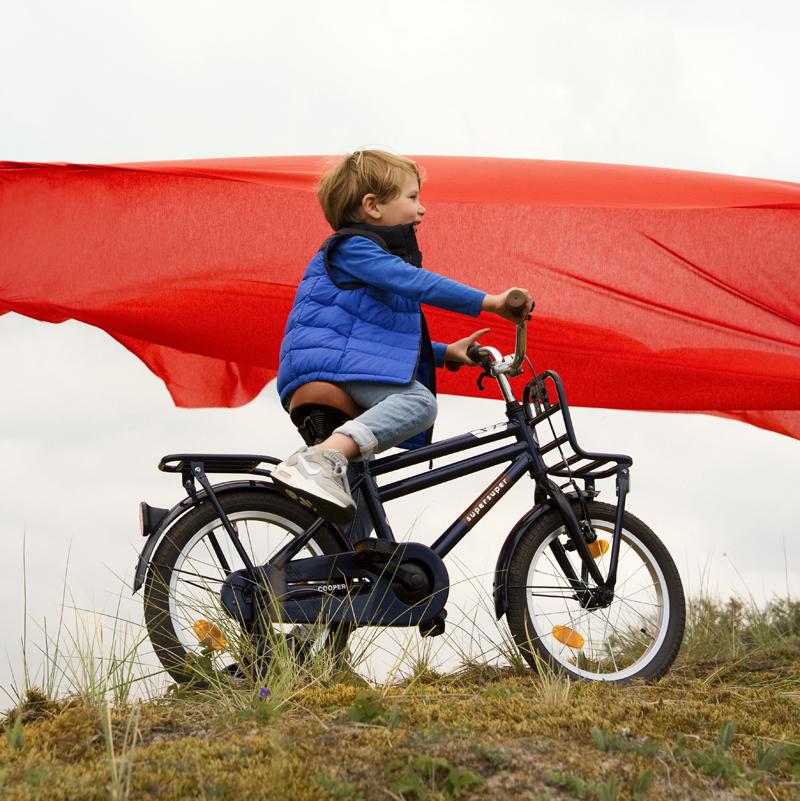 supersuper kinderfietsen, supersuper fiets, supersuper challenge, zwarte kinderfiets 16 inch, zwarte kinderfiets 20 inch
