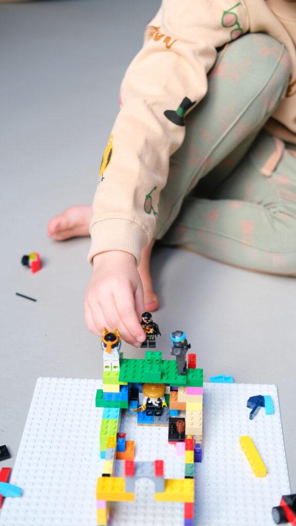 van lego kan je alles maken, lego bouwen, bouwsteentjes LEGO